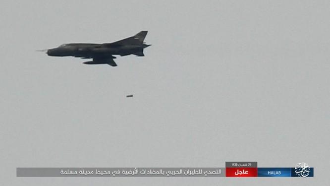 """""""Hổ Syria"""" đè bẹp IS, chỉ còn cách thị trấn cửa ngõ Raqqa 3km (video +ảnh) ảnh 8"""