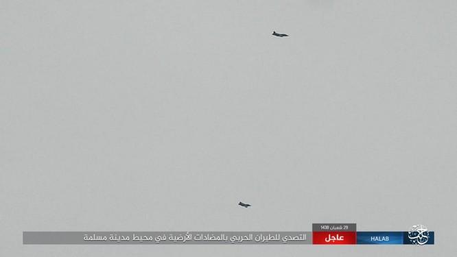 """""""Hổ Syria"""" đè bẹp IS, chỉ còn cách thị trấn cửa ngõ Raqqa 3km (video +ảnh) ảnh 9"""