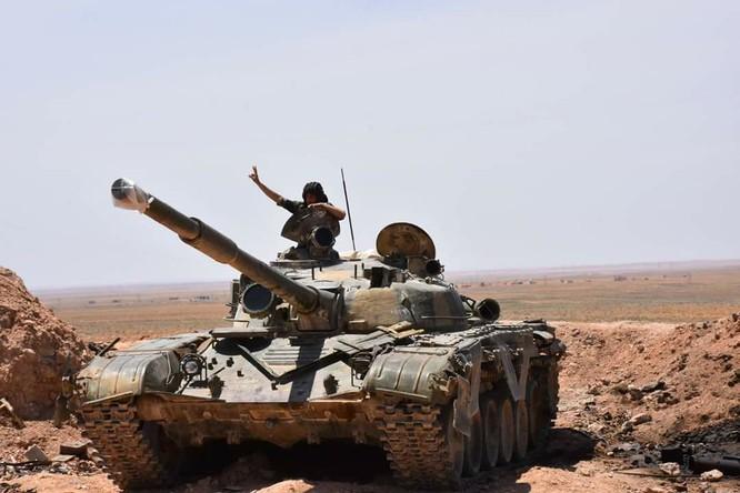 """""""Hổ Syria"""" đè bẹp IS, chỉ còn cách thị trấn cửa ngõ Raqqa 3km (video +ảnh) ảnh 16"""