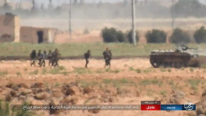 """""""Hổ Syria"""" đè bẹp IS, chỉ còn cách thị trấn cửa ngõ Raqqa 3km (video +ảnh) ảnh 10"""