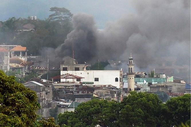 Quân đội Philippines tiêu diệt 61 tay súng IS trong chiến dịch tái chiếm Marawi (chùm video) ảnh 2