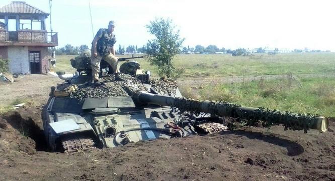 Cuộc chiến đẫm máu giành giật sân bay Lugansk, Ukraine ảnh 3