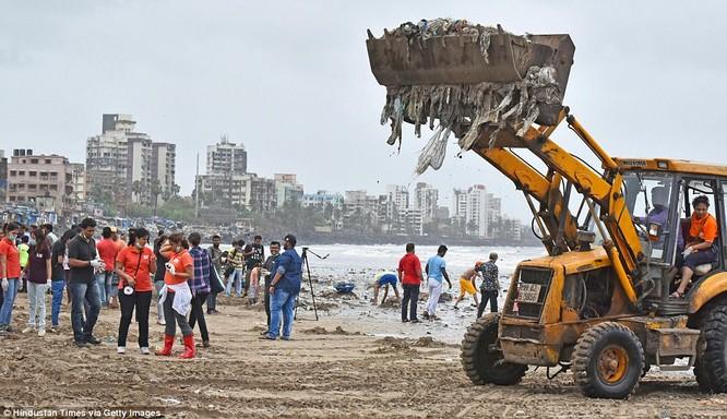 """Chiến dịch dọn rác bãi biển lớn nhất thế giới """"quét"""" hơn 5.000 tấn rác ảnh 6"""