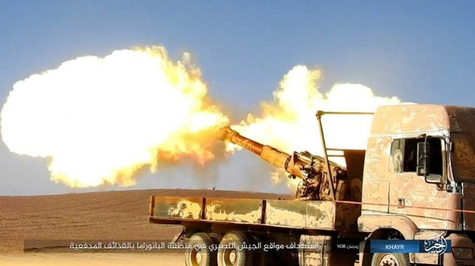 """IS dốc toàn lực tấn chiếm Deir Ezzor, quân đội Syria """"ngàn cân treo sợi tóc"""" ảnh 1"""