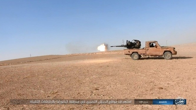 """IS dốc toàn lực tấn chiếm Deir Ezzor, quân đội Syria """"ngàn cân treo sợi tóc"""" ảnh 3"""