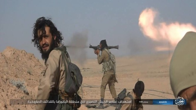 """IS dốc toàn lực tấn chiếm Deir Ezzor, quân đội Syria """"ngàn cân treo sợi tóc"""" ảnh 7"""