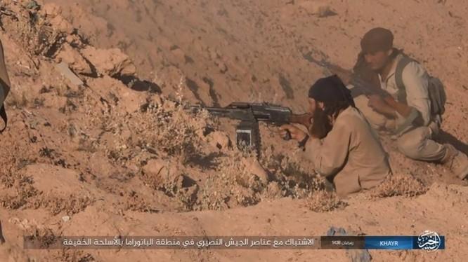 """IS dốc toàn lực tấn chiếm Deir Ezzor, quân đội Syria """"ngàn cân treo sợi tóc"""" ảnh 10"""