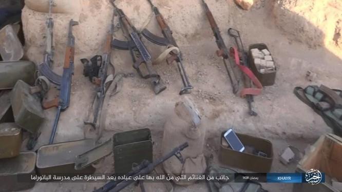 """IS dốc toàn lực tấn chiếm Deir Ezzor, quân đội Syria """"ngàn cân treo sợi tóc"""" ảnh 15"""