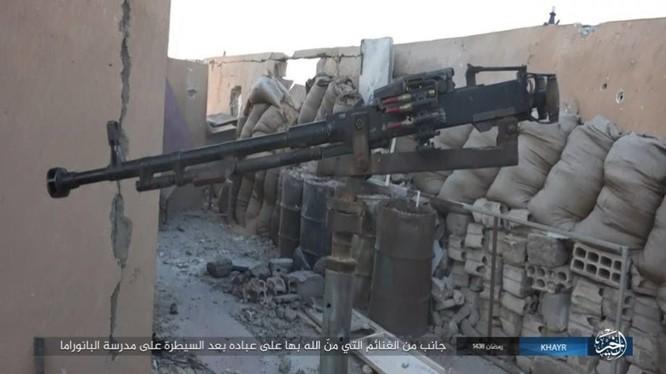 """IS dốc toàn lực tấn chiếm Deir Ezzor, quân đội Syria """"ngàn cân treo sợi tóc"""" ảnh 16"""