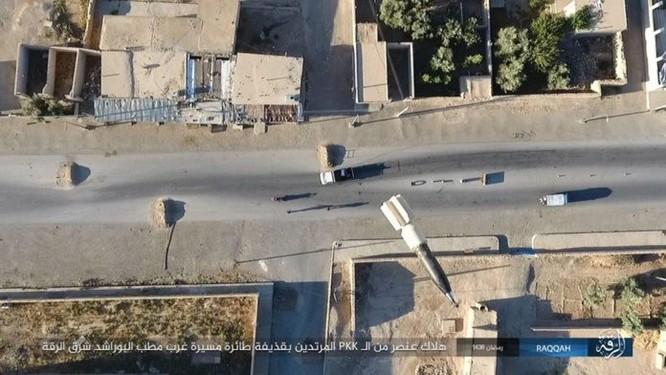 """Chiến sự Syria: SDF tấn chiếm 4 quận ngoại ô """"thủ đô"""" IS (video) ảnh 1"""