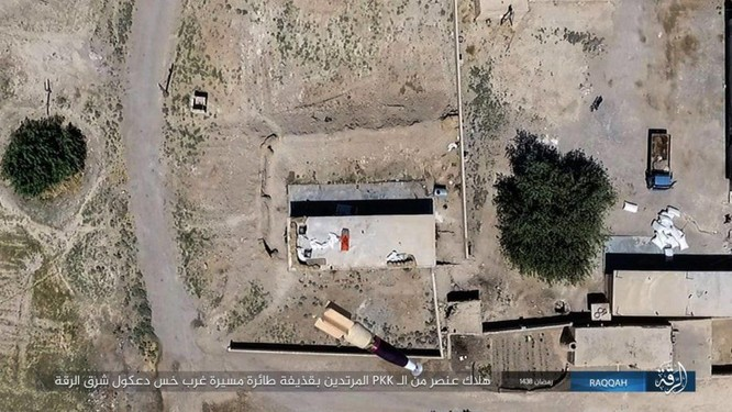 """Chiến sự Syria: SDF tấn chiếm 4 quận ngoại ô """"thủ đô"""" IS (video) ảnh 3"""