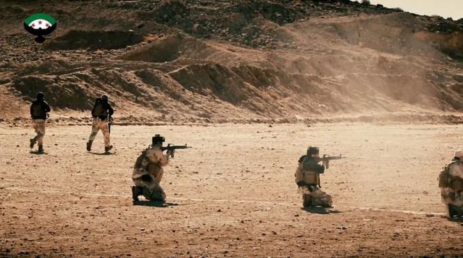 Chiến sự Syria: Đặc nhiệm Mỹ huấn luyện chiến đấu, tuần tra cùng phiến quân (video) ảnh 2
