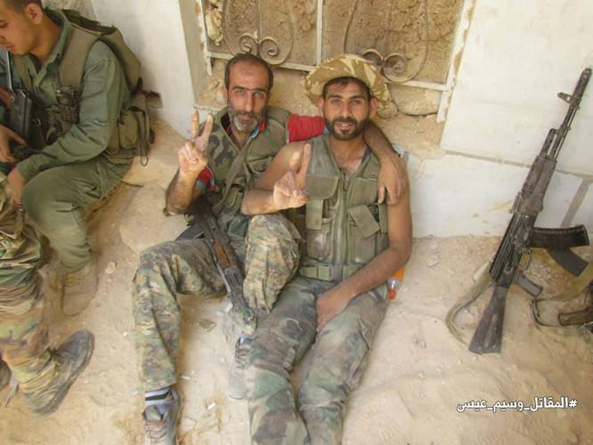 Vệ binh Syria giáng đòn vào chiến tuyến thánh chiến ngoại ô Damascus ảnh 4