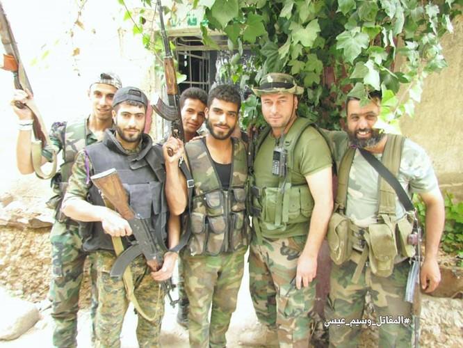 Vệ binh Syria giáng đòn vào chiến tuyến thánh chiến ngoại ô Damascus ảnh 9