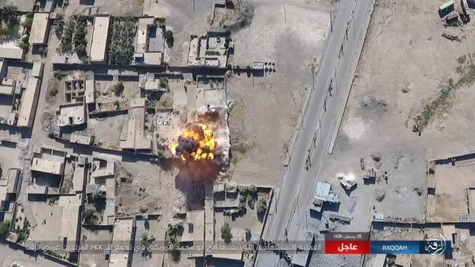 2.000 tay súng IS bị vây chặt, người Kurd Syria tuyên độc lập sau khi chiếm Raqqa ảnh 6