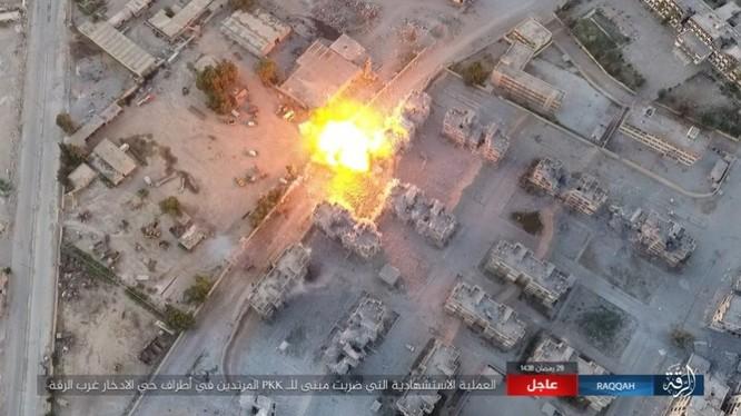 2.000 tay súng IS bị vây chặt, người Kurd Syria tuyên độc lập sau khi chiếm Raqqa ảnh 11