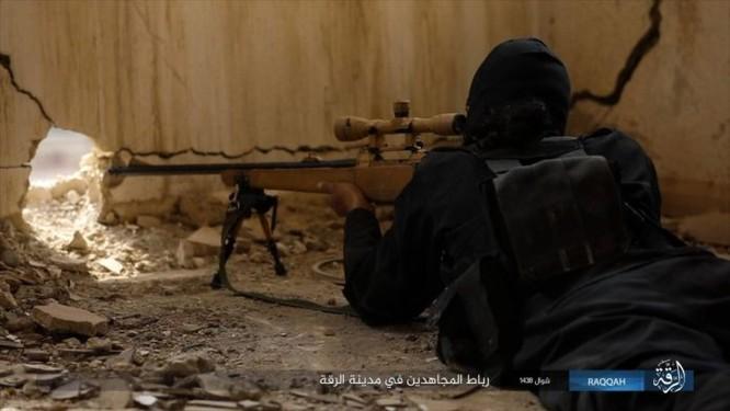 2.000 tay súng IS liều chết với người Kurd tại Raqqa ảnh 1