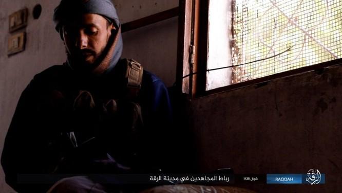 2.000 tay súng IS liều chết với người Kurd tại Raqqa ảnh 3