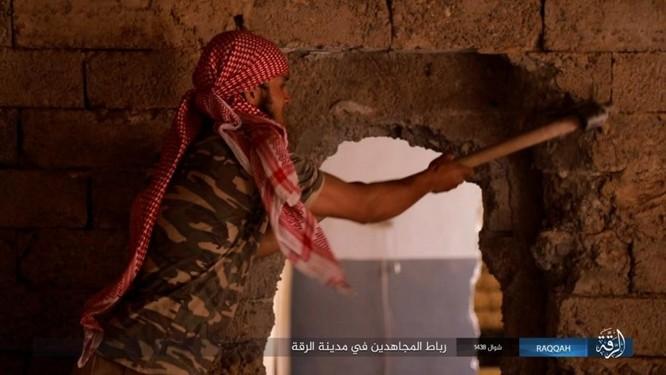 2.000 tay súng IS liều chết với người Kurd tại Raqqa ảnh 9