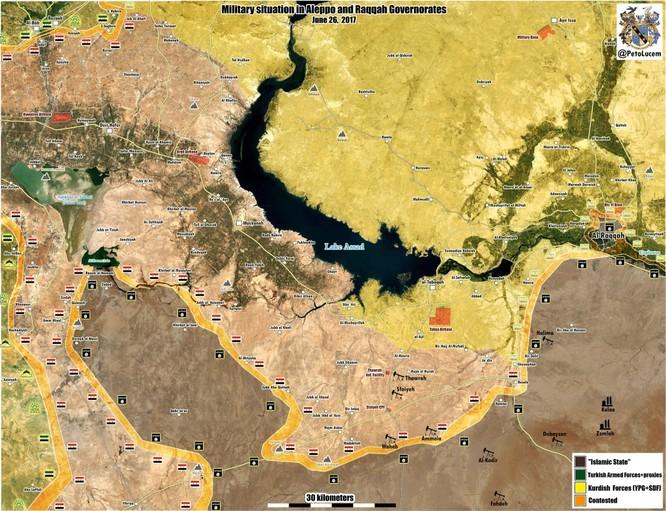 """T-90 Nga cùng """"Diều hâu sa mạc"""" Syria xung trận đánh IS (video) ảnh 1"""