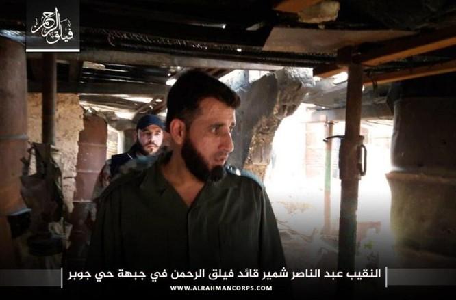 Phiến quân bắn cháy xe tăng Syria, tuyên bố tử thủ ở Damascus (video) ảnh 1