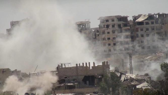 Quân đội Syria trút bão lửa vào hai căn cứ phiến quân ngoại vi Damascus ảnh 2
