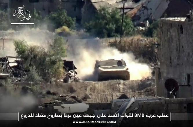 Phiến quân ngoại vi Damascus liều chết chống trả quân đội Syria ảnh 4