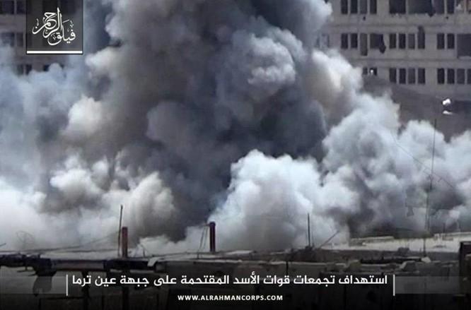 Phiến quân ngoại vi Damascus liều chết chống trả quân đội Syria ảnh 10