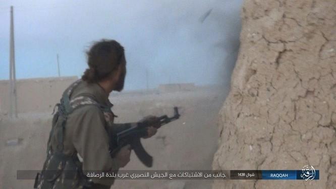 Quét sạch IS ở Aleppo, quân đội Syria sắp tấn công Hama ảnh 2
