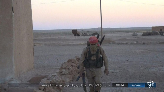 Quét sạch IS ở Aleppo, quân đội Syria sắp tấn công Hama ảnh 7