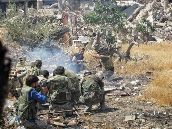 Quân đội Syria tấn công dữ dội phe thánh chiến cố thủ đông Damascus ảnh 3
