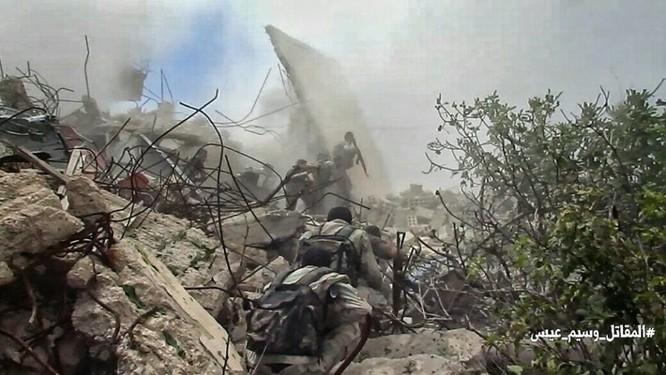 Quân đội Syria tấn công dữ dội phe thánh chiến cố thủ đông Damascus ảnh 5