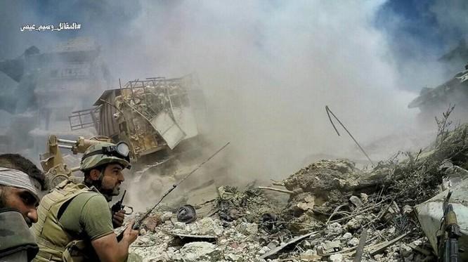 Quân đội Syria tấn công dữ dội phe thánh chiến cố thủ đông Damascus ảnh 8
