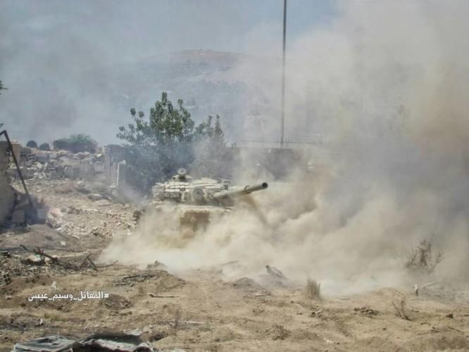 Quân đội Syria tấn công dữ dội phe thánh chiến cố thủ đông Damascus ảnh 12