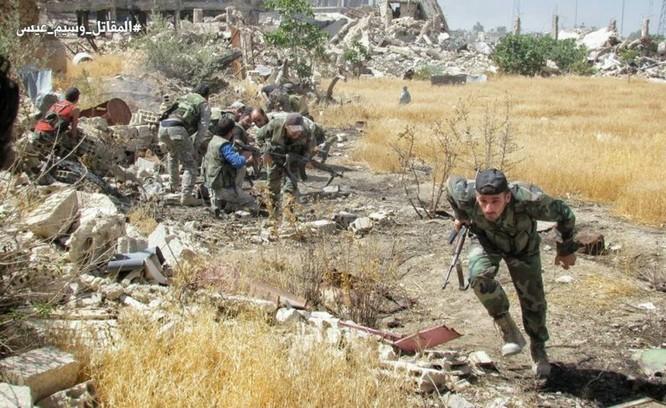 Quân đội Syria tấn công dữ dội phe thánh chiến cố thủ đông Damascus ảnh 16