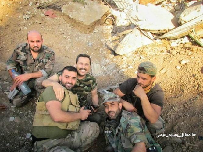 Quân đội Syria tấn công dữ dội phe thánh chiến cố thủ đông Damascus ảnh 17