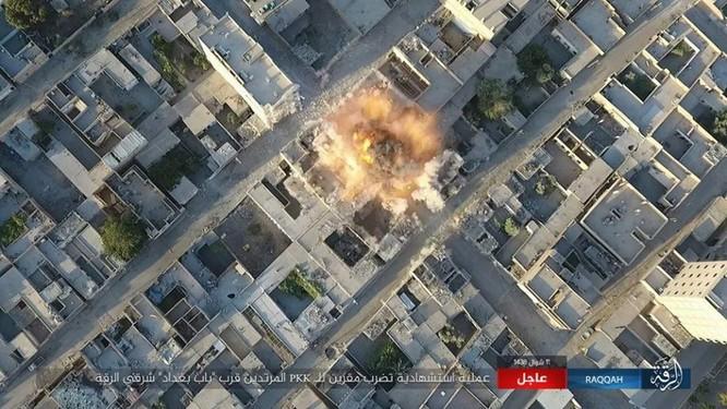 Chiến sự Syria: Người Kurd dốc sức tấn công Raqqa, Mỹ tăng viện trợ (video) ảnh 3