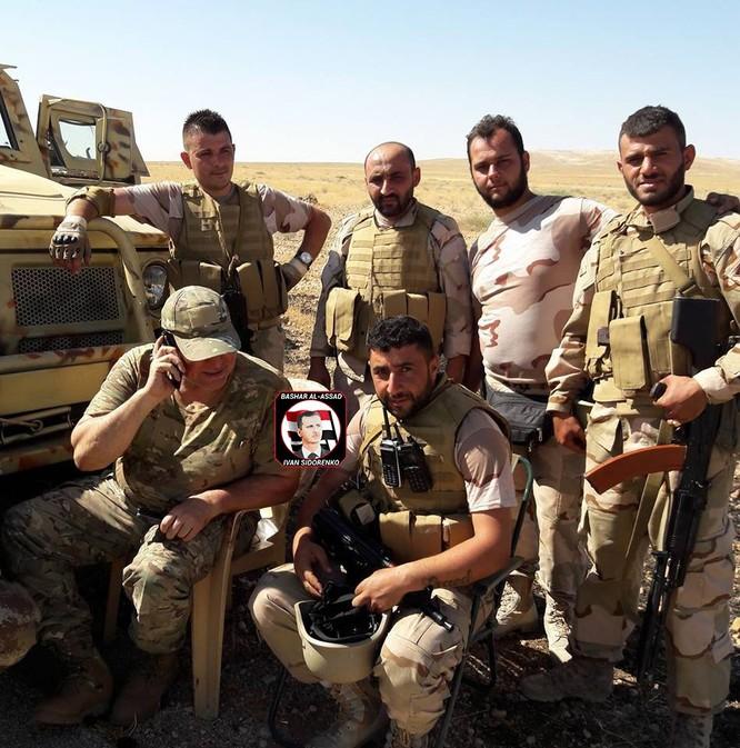"""""""Diều hâu Sa mạc"""" dồn dập tấn công, chiếm hàng chục cứ điểm IS ở Hama (video) ảnh 6"""