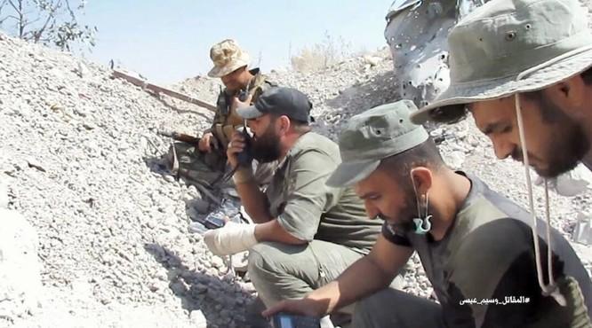 Vệ binh Syria tiến sâu vào sào huyệt phiến quân đông Damascus ảnh 1