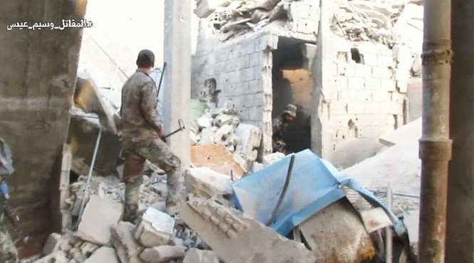 Vệ binh Syria tiến sâu vào sào huyệt phiến quân đông Damascus ảnh 9