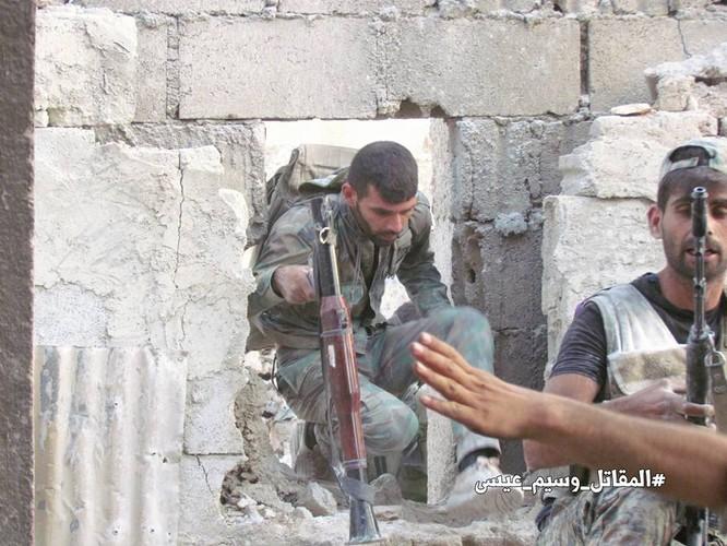 Vệ binh Syria tiến sâu vào sào huyệt phiến quân đông Damascus ảnh 10