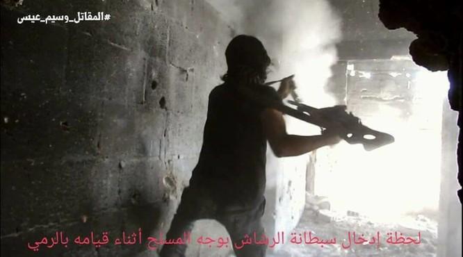 Quân đội Syria chọc thủng tuyến phòng ngự phiến quân ngoại vi Damascus ảnh 2