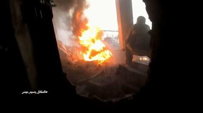 Quân đội Syria chọc thủng tuyến phòng ngự phiến quân ngoại vi Damascus ảnh 11
