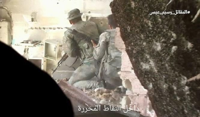 Quân đội Syria chọc thủng tuyến phòng ngự phiến quân ngoại vi Damascus ảnh 15