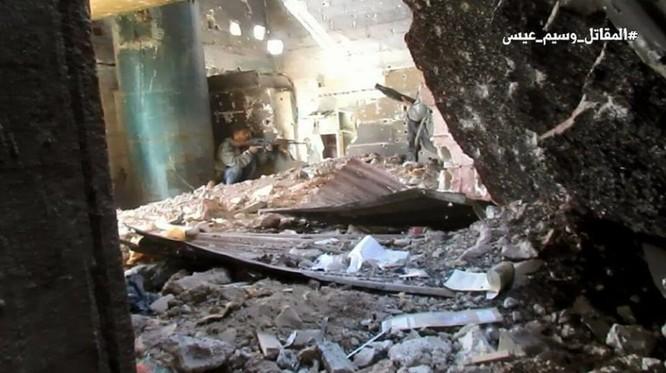 Quân đội Syria chọc thủng tuyến phòng ngự phiến quân ngoại vi Damascus ảnh 16