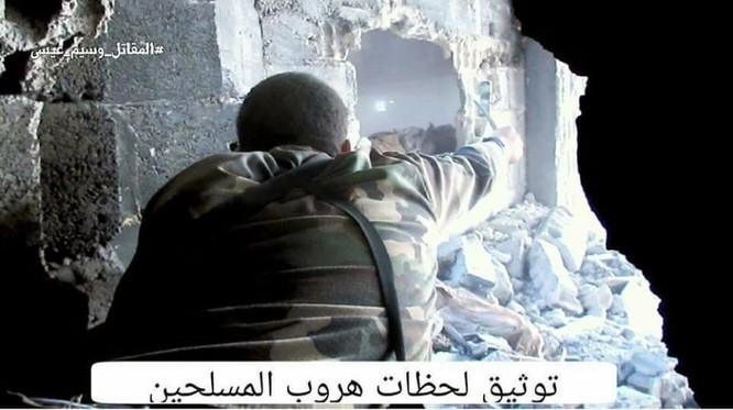 Quân đội Syria chọc thủng tuyến phòng ngự phiến quân ngoại vi Damascus ảnh 17