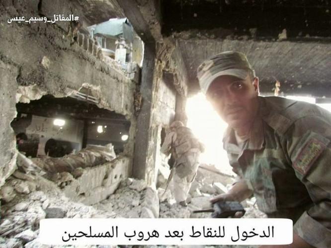 Quân đội Syria chọc thủng tuyến phòng ngự phiến quân ngoại vi Damascus ảnh 19