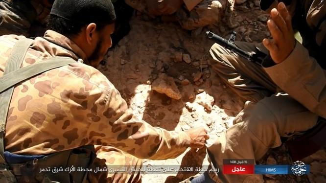 Quân đội Syria bất ngờ hứng thất bại trước IS tại Homs ảnh 3