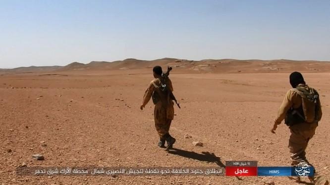 Quân đội Syria bất ngờ hứng thất bại trước IS tại Homs ảnh 5