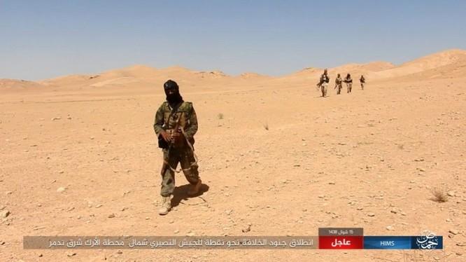 Quân đội Syria bất ngờ hứng thất bại trước IS tại Homs ảnh 6